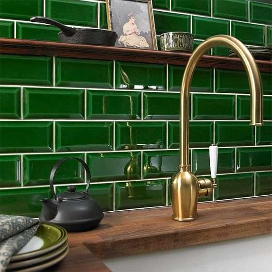 Victoria Baths Crackle Bevel Vintage Green